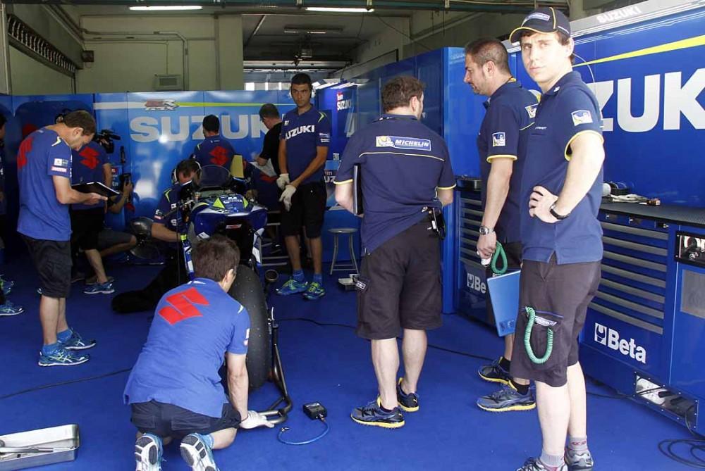 Michelin chay thu lop xe dua cho mua giai MotoGP 2016 - 5