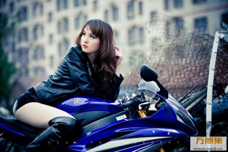 My nu xinh dep do dang cung Yamaha R6 - 3