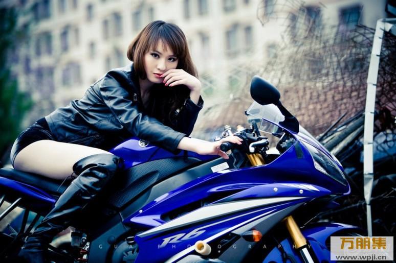 My nu xinh dep do dang cung Yamaha R6 - 4