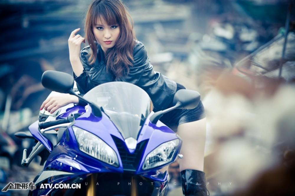 My nu xinh dep do dang cung Yamaha R6 - 5