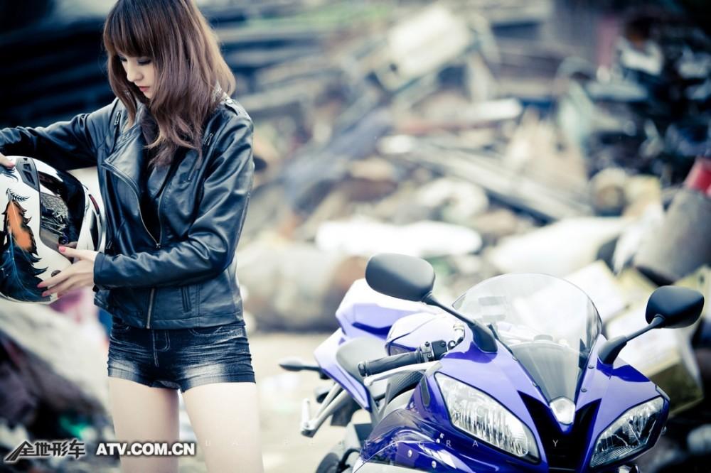 My nu xinh dep do dang cung Yamaha R6 - 6