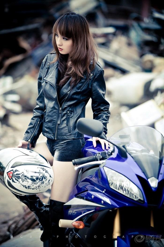 My nu xinh dep do dang cung Yamaha R6 - 8
