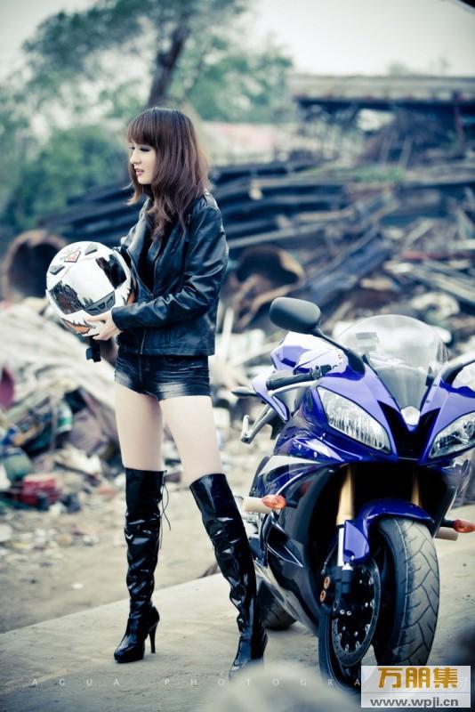 My nu xinh dep do dang cung Yamaha R6 - 9
