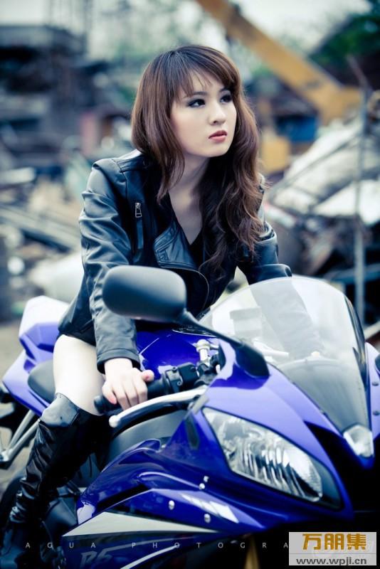 My nu xinh dep do dang cung Yamaha R6 - 10