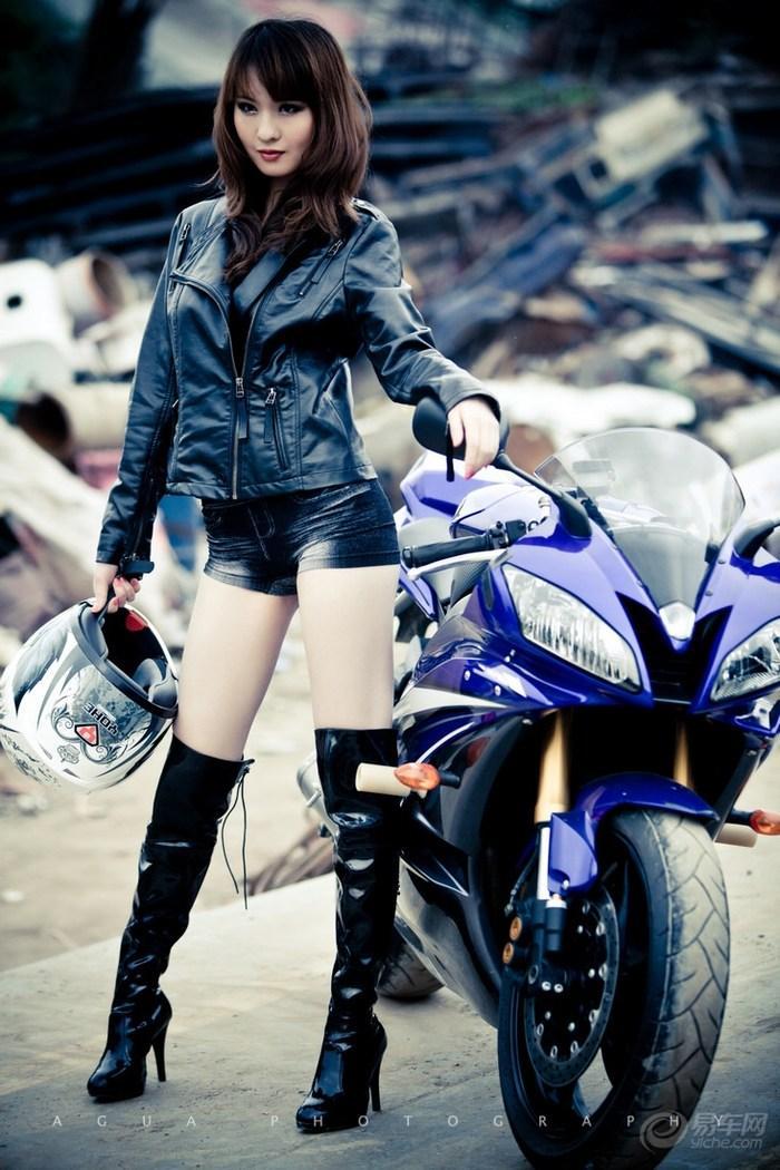 My nu xinh dep do dang cung Yamaha R6 - 12