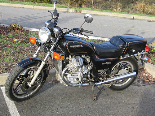 Xe do Honda GL500 cuc chat cua nu biker 8X Hai Phong - 2