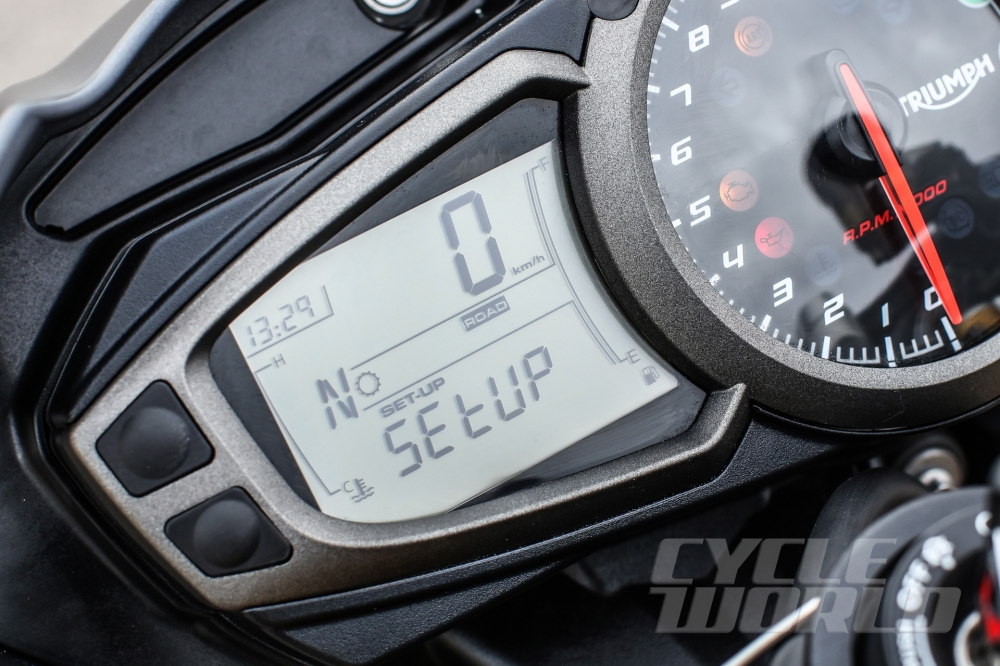 Can canh moto TRIUMPH SPEED TRIPLE R 2016 - 6