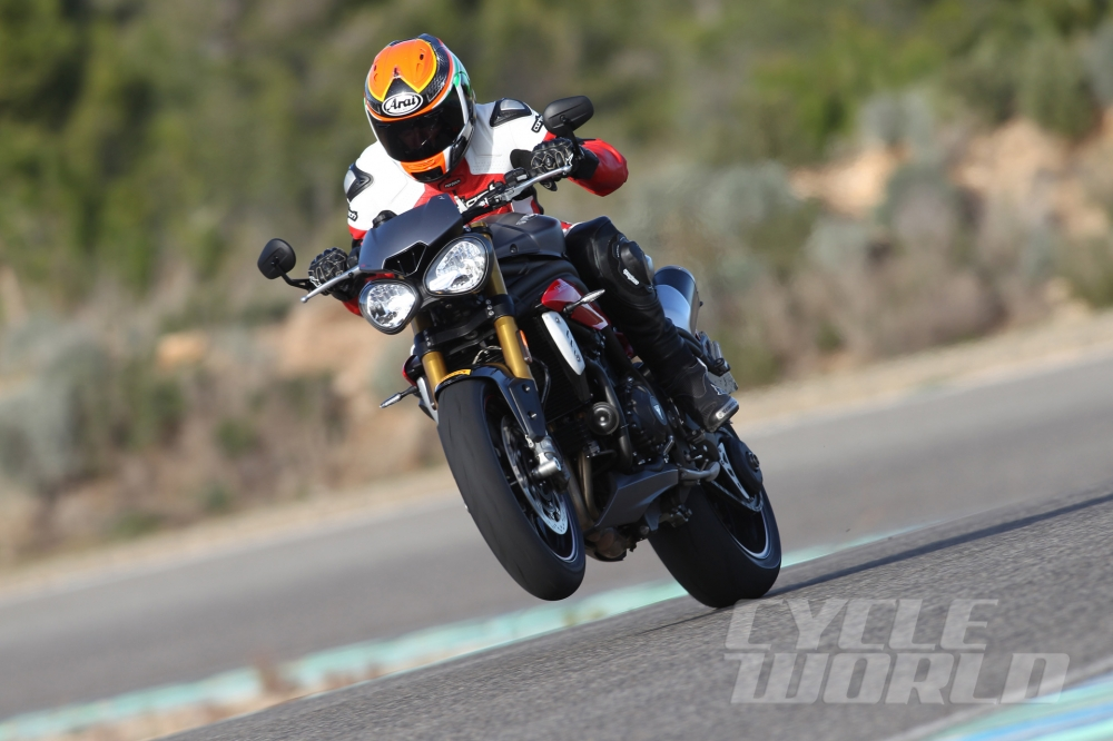 Can canh moto TRIUMPH SPEED TRIPLE R 2016 - 17