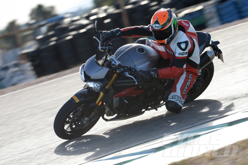 Can canh moto TRIUMPH SPEED TRIPLE R 2016 - 19