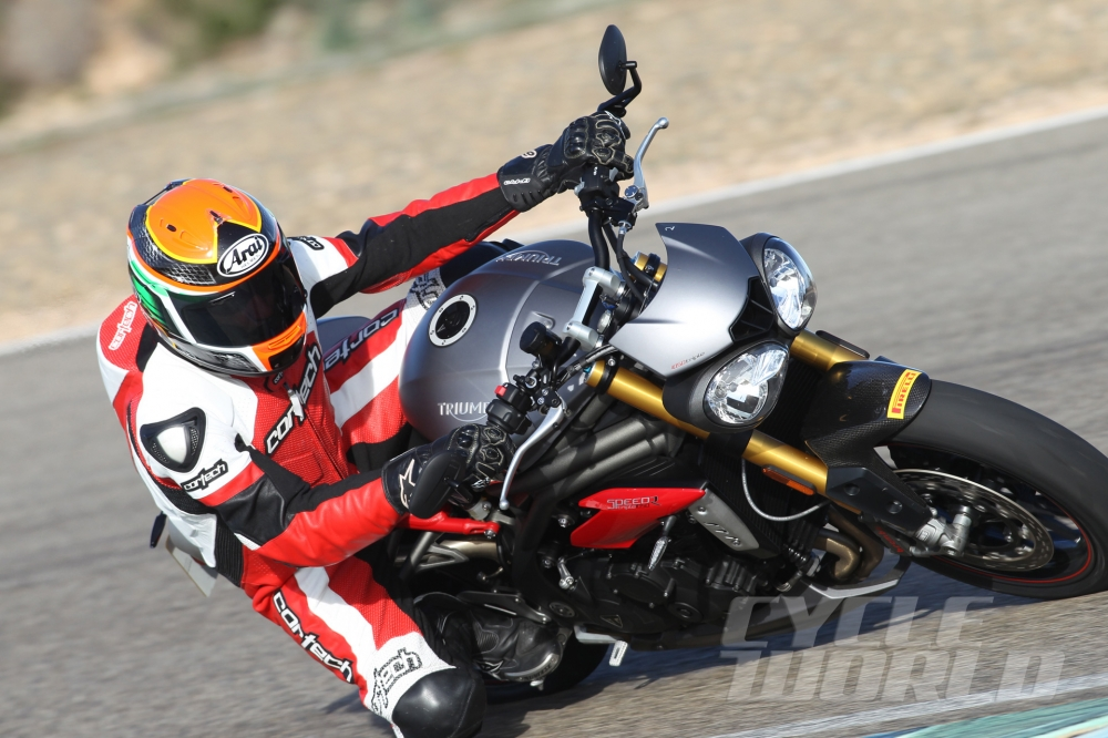 Can canh moto TRIUMPH SPEED TRIPLE R 2016 - 21