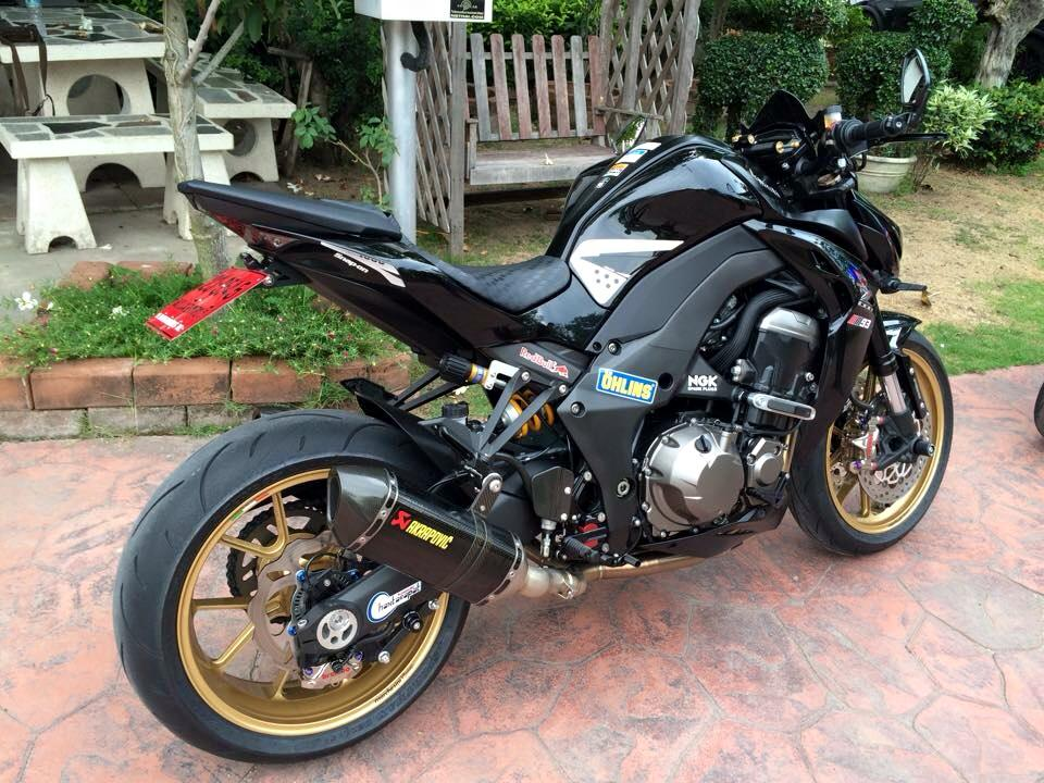 Kawasaki Z1000 day manh me va tinh te trong tung chi tiet - 6