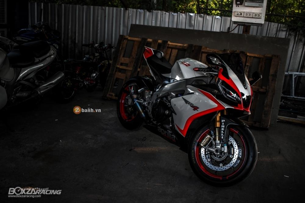 Aprilia RSV4 chat lu voi ban do day phong cach cua biker Thai - 2
