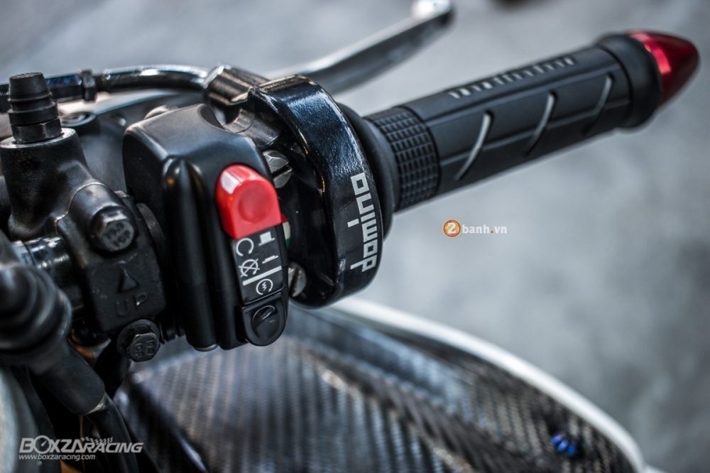 Aprilia RSV4 chat lu voi ban do day phong cach cua biker Thai - 4
