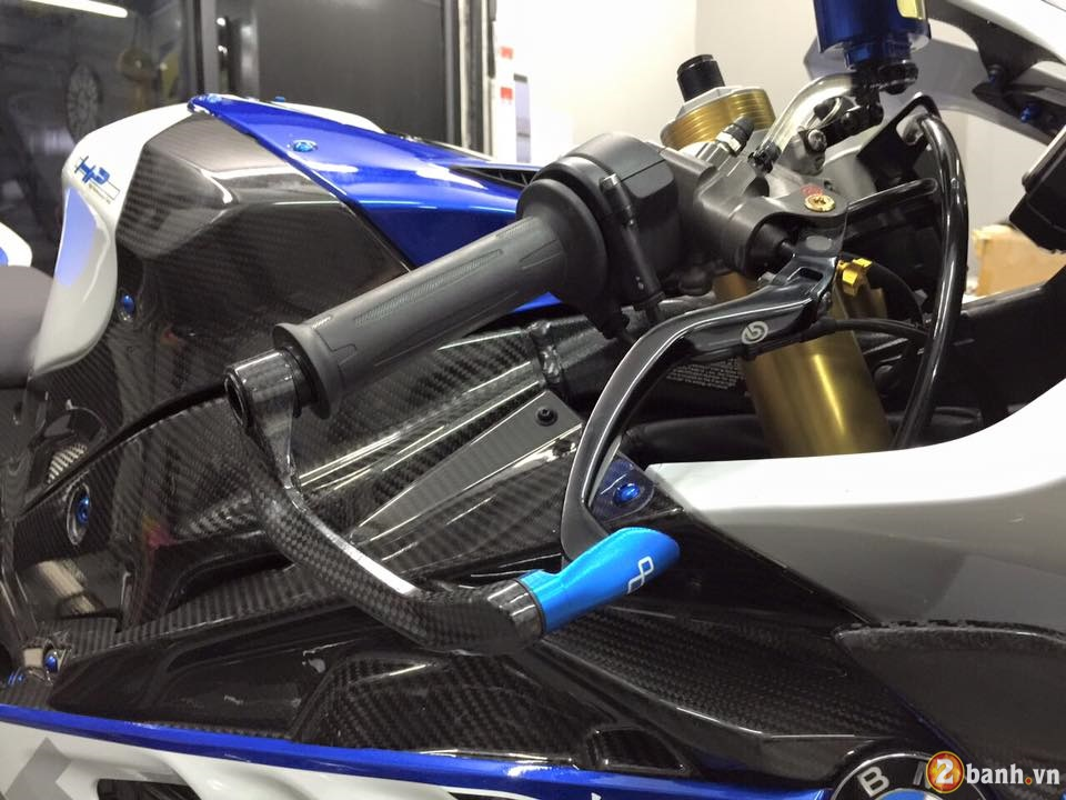 BMW HP4 day an tuong trong ban do cuc chat - 4