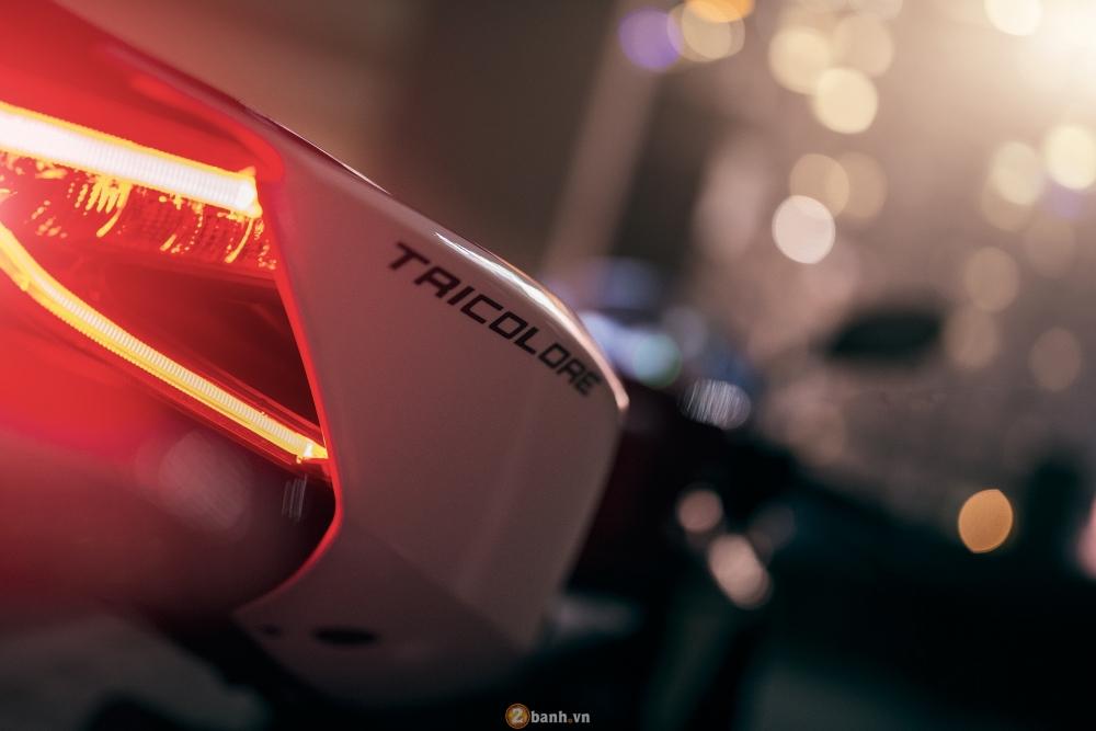 Bo anh dep cua Ducati 899 Panigale Tricolore xuyen man dem - 2