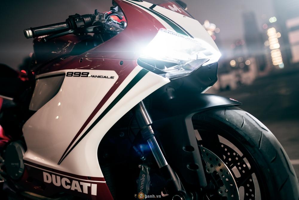 Bo anh dep cua Ducati 899 Panigale Tricolore xuyen man dem - 4