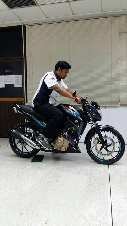 Dong nakedbike 150 phan khoi bi an cua Suzuki - 2
