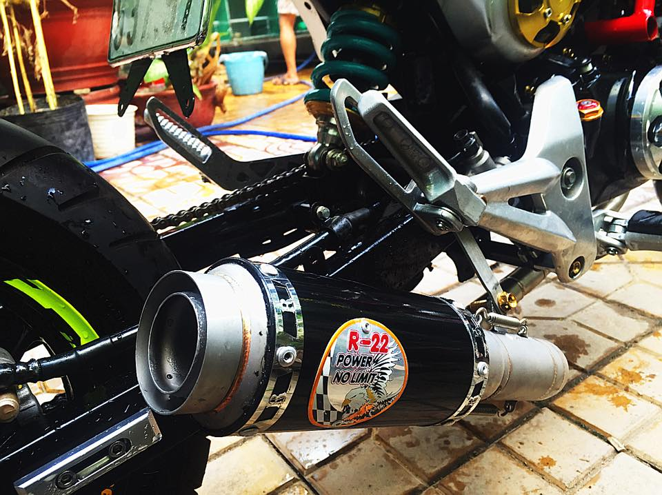 Honda MSX do phong cach Ducati doc dao voi dan chan keo dai - 5