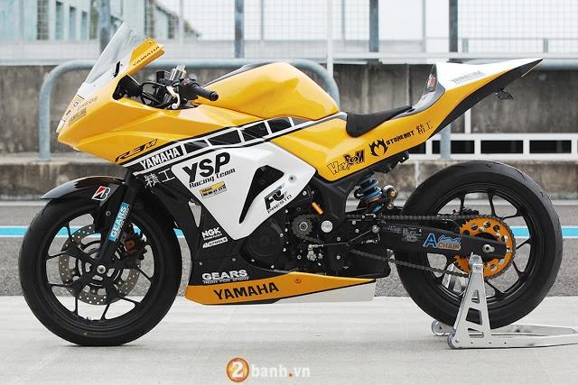 Ve dep hut hon cua Yamaha R3 do theo phong cach xe dua YZRM1 - 6