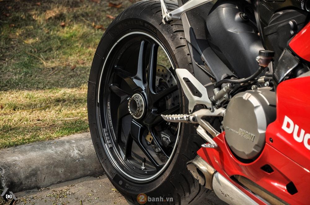 Cap doi Ducati 899 Panigale do an tuong cua DOC tai Viet Nam Motorcycle Show 2016 - 2