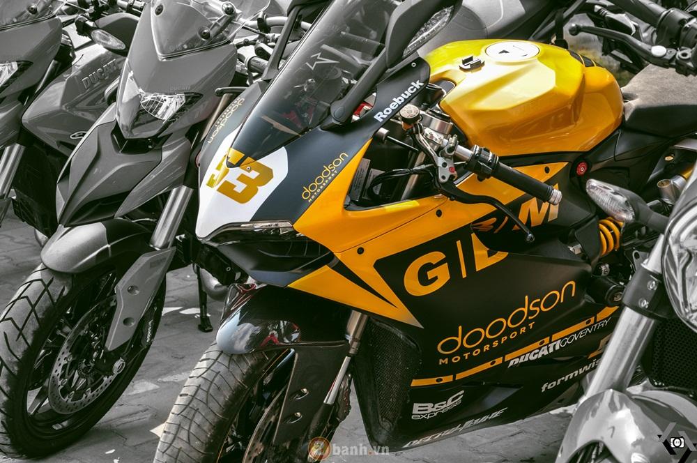 Cap doi Ducati 899 Panigale do an tuong cua DOC tai Viet Nam Motorcycle Show 2016 - 6