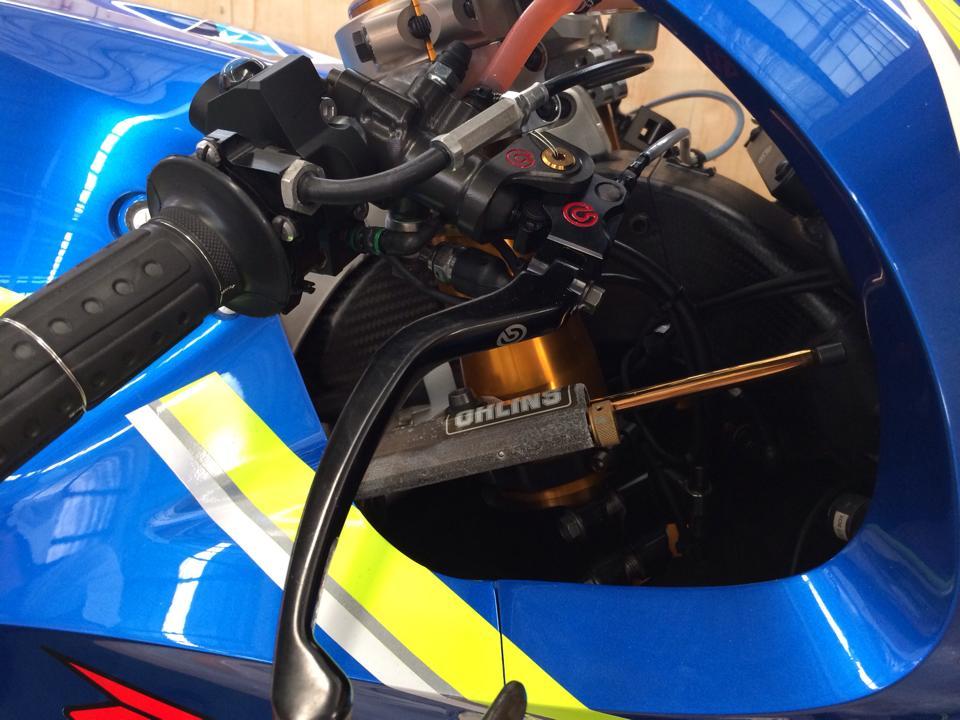 Dap thung sieu xe dua MotoGP Suzuki GSXRR tai Viet Nam - 5