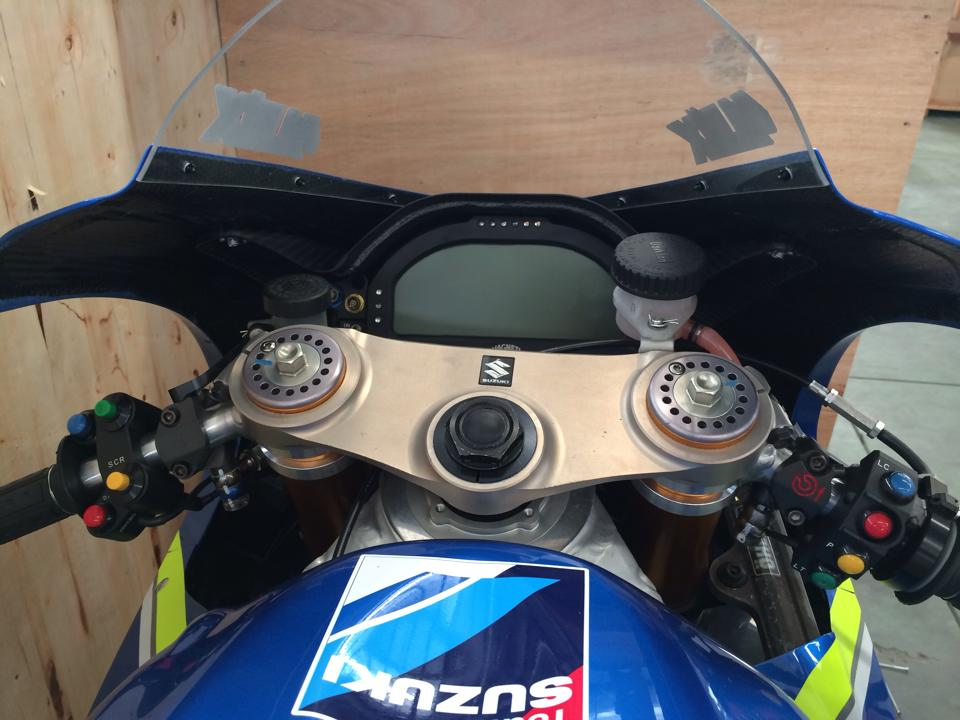 Dap thung sieu xe dua MotoGP Suzuki GSXRR tai Viet Nam - 4