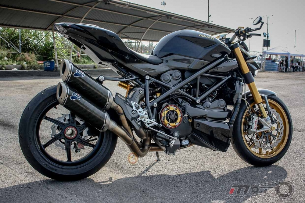 Ducati Streetfighter trong ban do sieu khung den tu Thai - 24