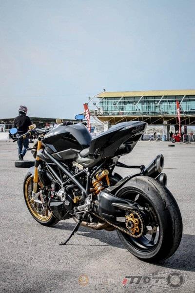 Ducati Streetfighter trong ban do sieu khung den tu Thai - 26