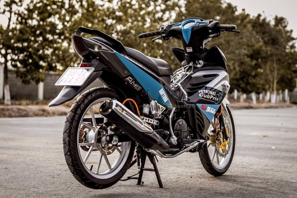 Exciter 135 do theo phong cach Petronas don gian nhung tinh te - 2