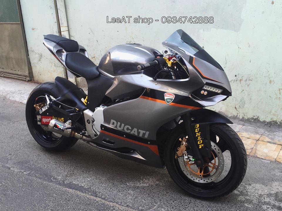 Ban do Ducati 899 vo cung doc dao tu Honda Hornet 250 tai Viet Nam - 2