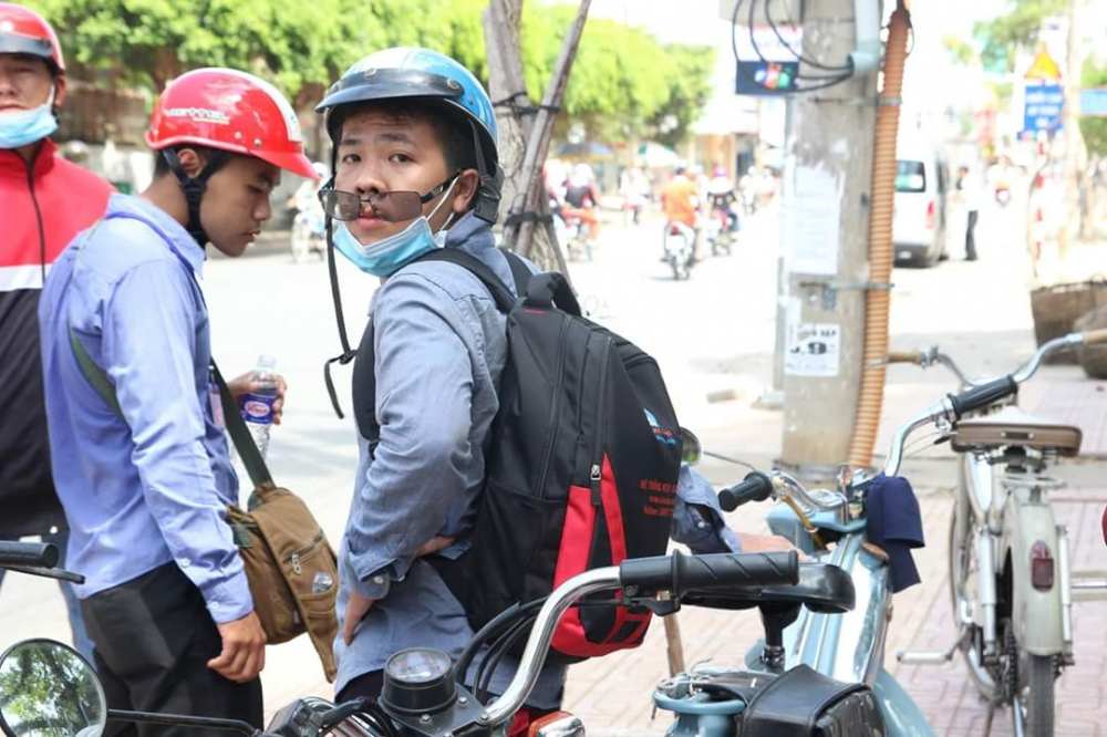 Bat Ngo Xuat hien Hang Loat Chiec xe Co Da Mat Biet Tam - 4