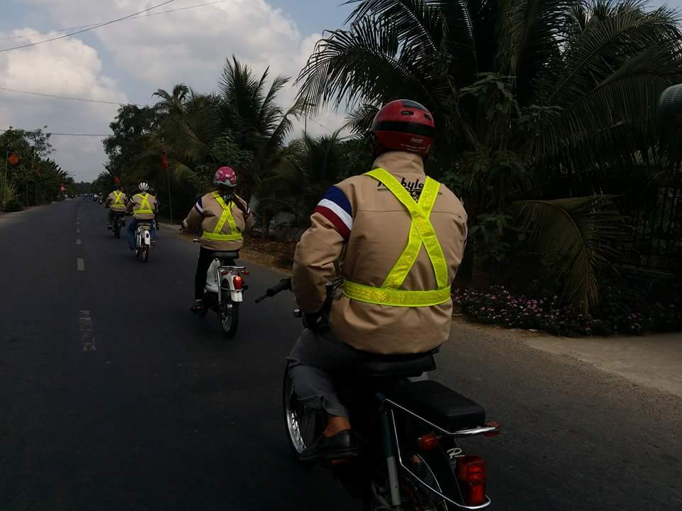 Bat Ngo Xuat hien Hang Loat Chiec xe Co Da Mat Biet Tam - 6