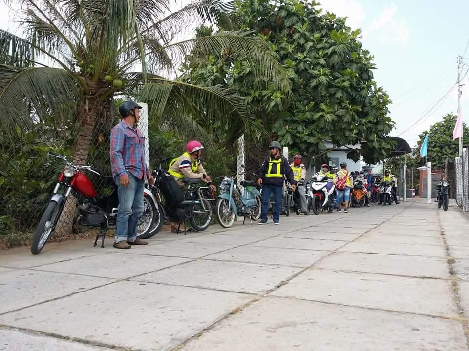Bat Ngo Xuat hien Hang Loat Chiec xe Co Da Mat Biet Tam - 10