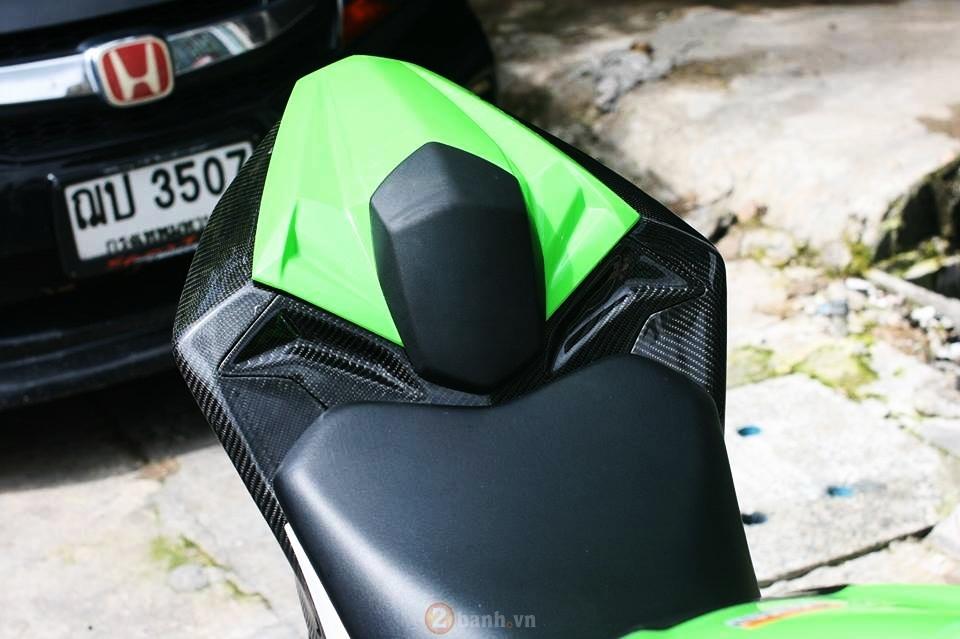 Kawasaki Ninja 300 dep mat voi phien ban do cuc chat - 10