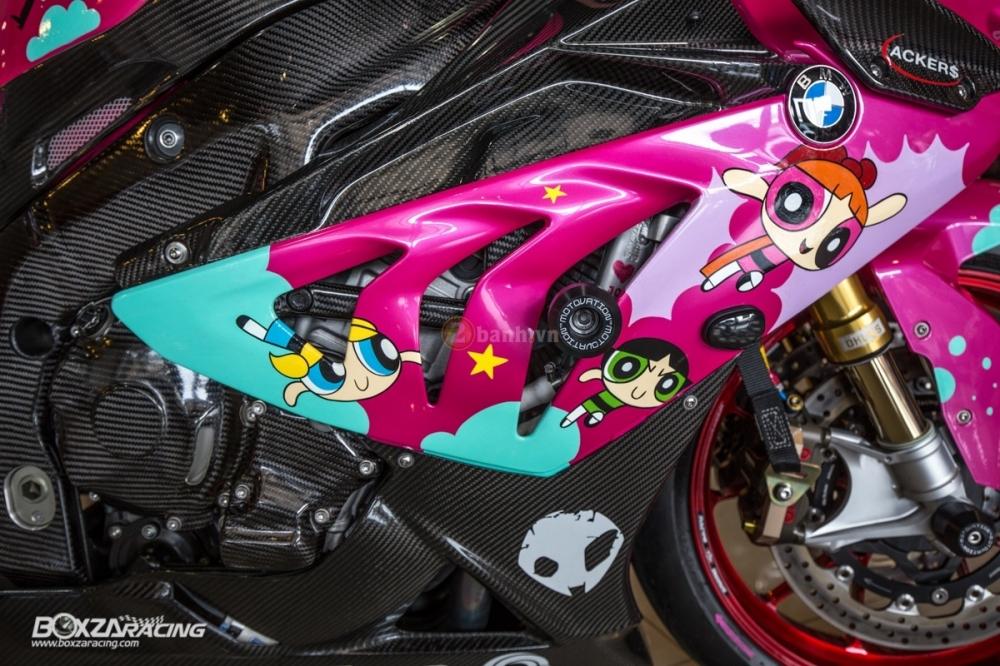 BMW S1000RR so cute voi phien ban do PowerPuff Gril tu The Ackers Racing - 18