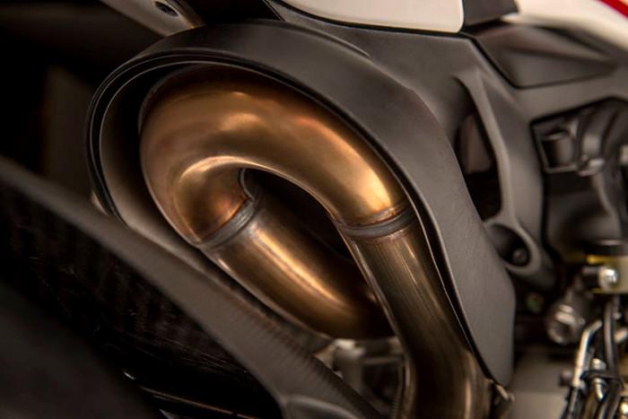 Can canh Ducati 1299 Panigale S Anniversario phien ban dac biet ky niem 90 nam - 15