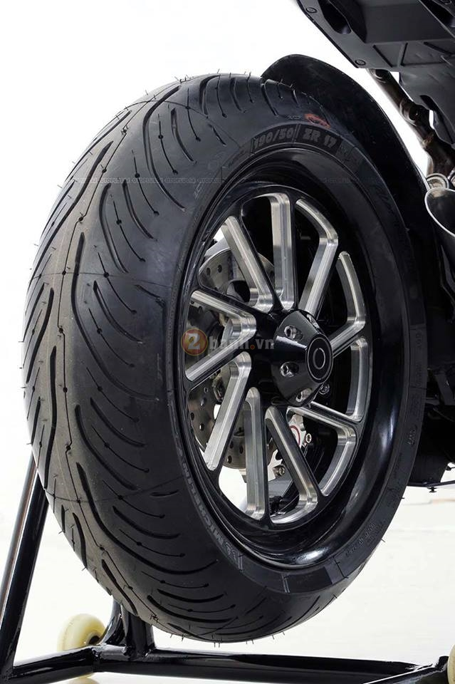 Chi tiet ban do chinh hang cua chiec Honda CBR250RR 2017 full carbon - 6