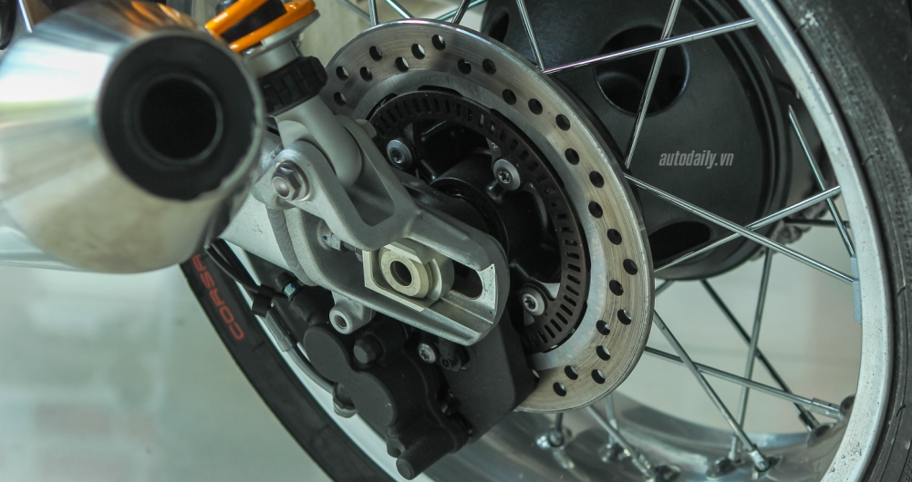 Chi tiet chiec Triumph Thruxton 1200R 2016 vua duoc nhap ve Ha Noi - 22