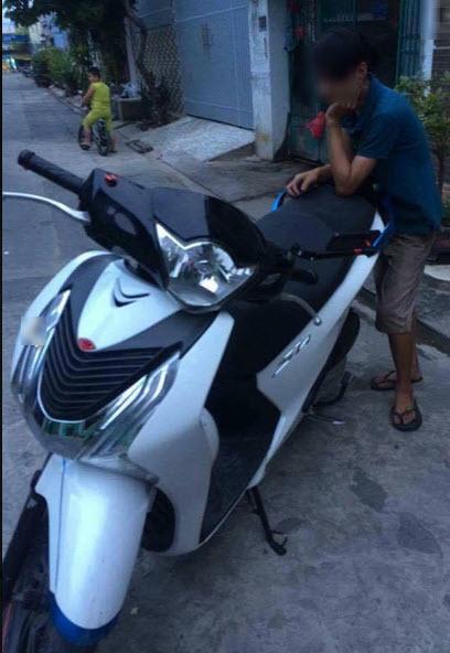 Clip Nam thanh nien muon chay thu roi cuop luon chiec Z1000 bo lai chiec Honda SH150i - 2