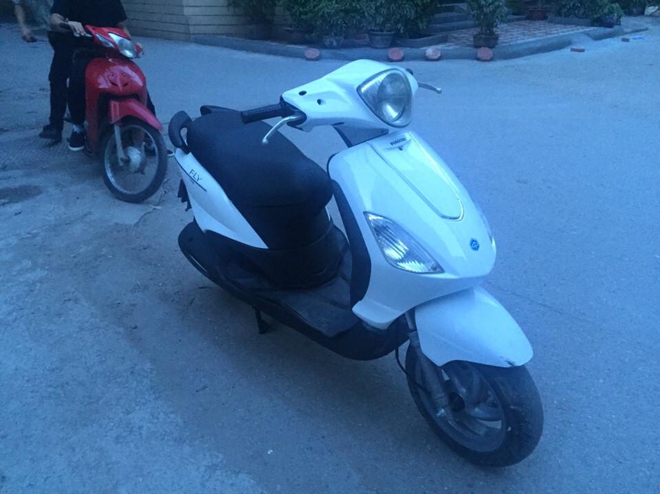 Fly 125cc nhap khau Y mau trang doi chot 2010 xi nhan trang 2 day ga - 3