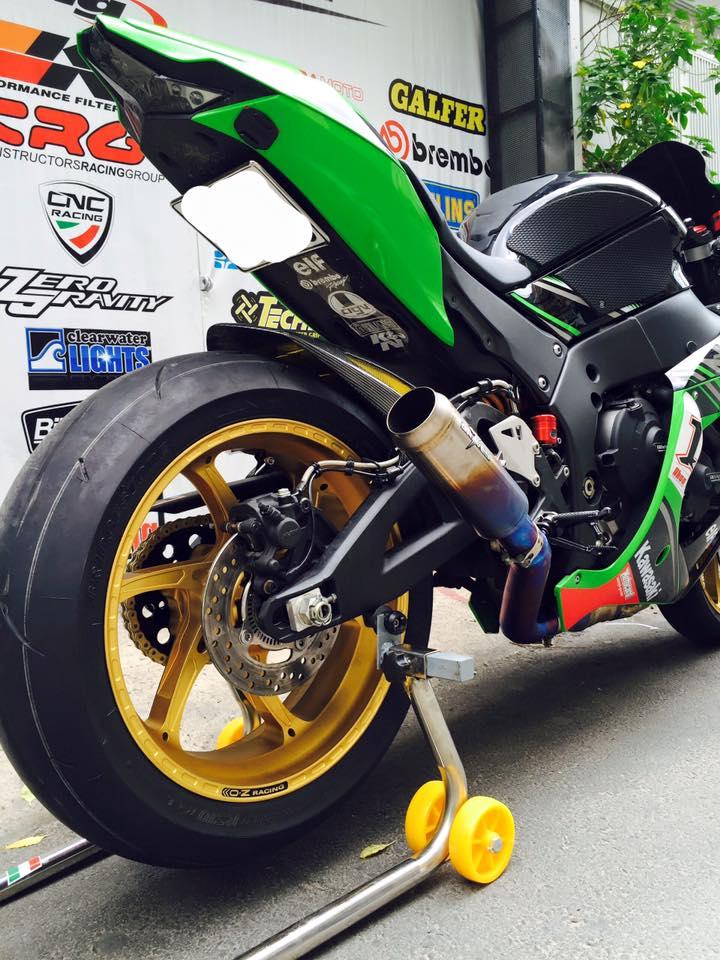 Hang khung ZX10R 2016 dau tien len mam OZ Racing tai Viet Nam - 2
