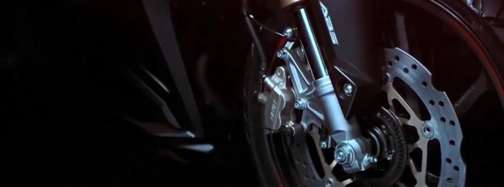 Honda he lo doan Teaser gioi thieu mau CBR250RR hoan toan moi - 6