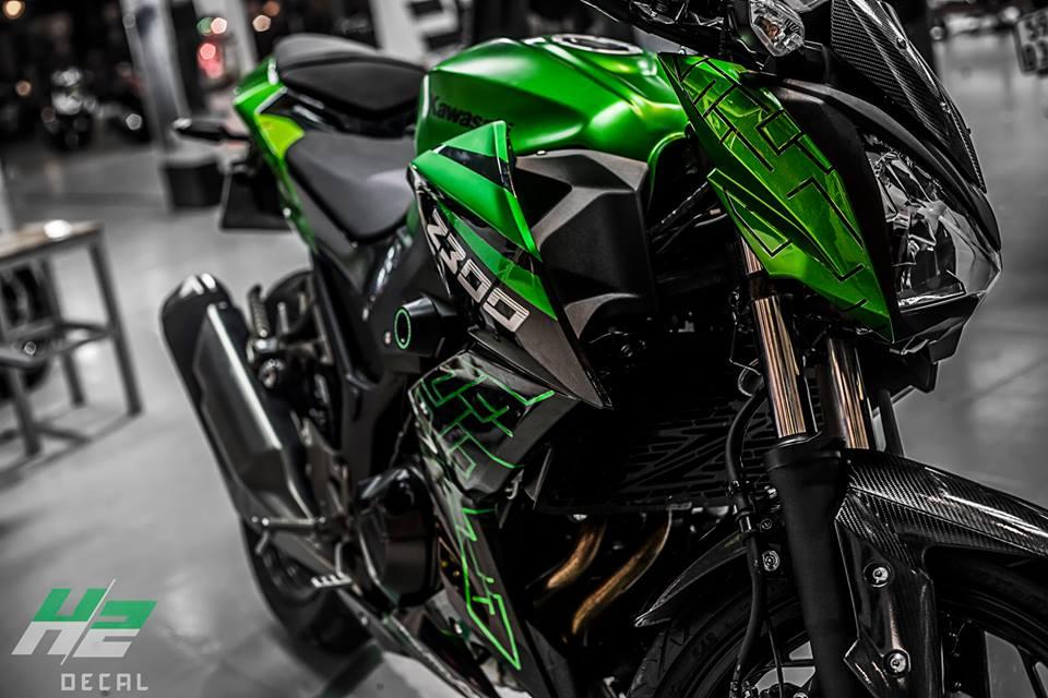 Kawasaki Z300 thay ao theo phong cach moi - 4