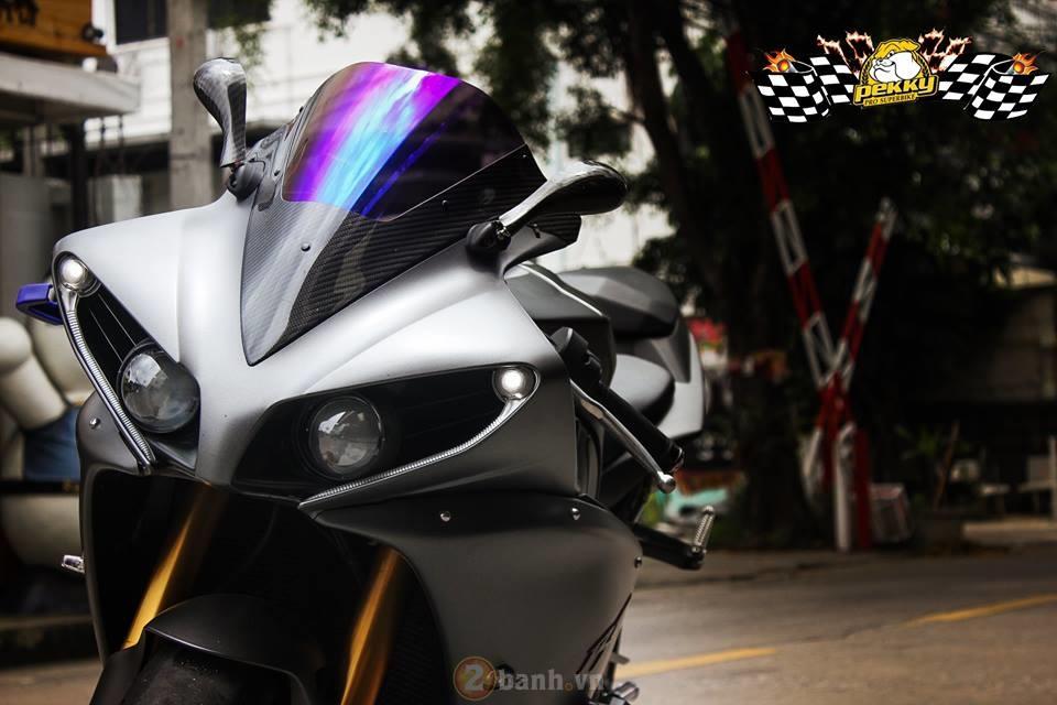 Yamaha R1 phien ban cu sieu ngau trong ban do cuc chat den tu Thai - 2