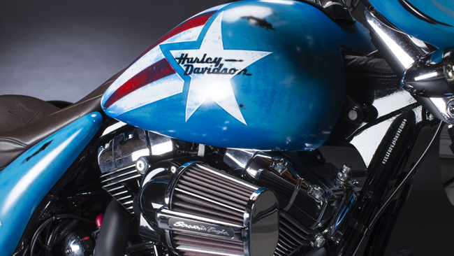 Can canh HarleyDavidson Street Glide Special phien ban Captain America - 8