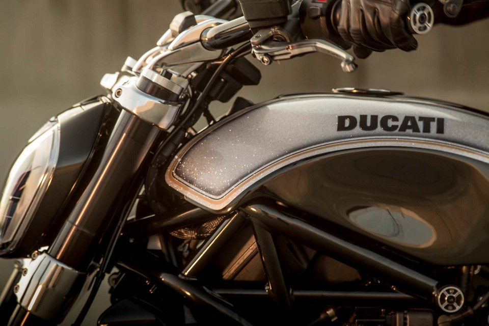 Ducati XDiavel dep tuyet voi trong ban do tu Roland Sands Design - 15