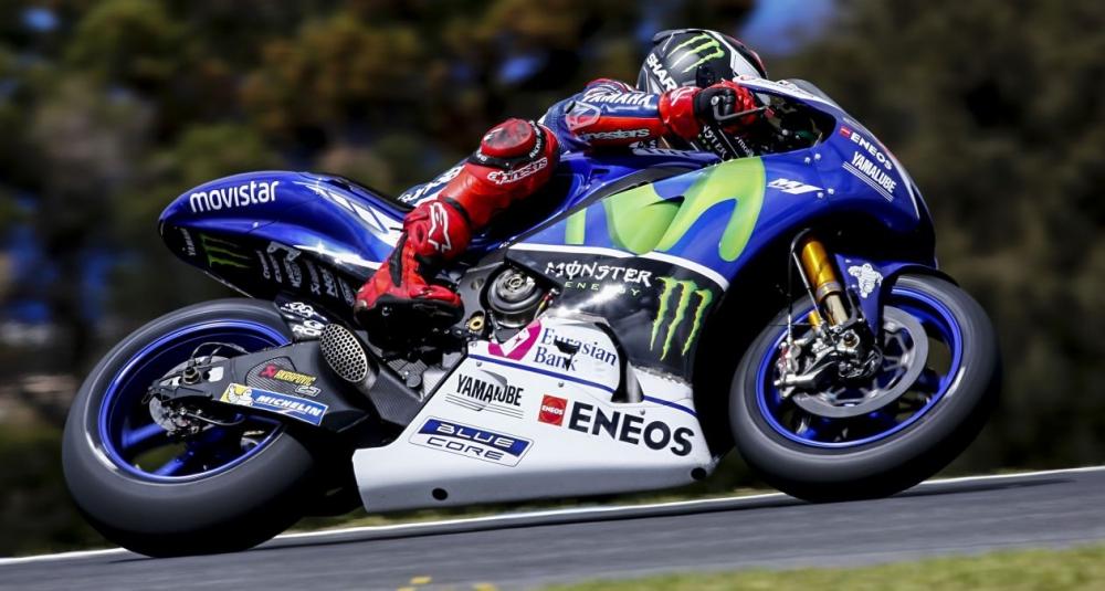 Hinh anh xe dua M1 va tay dua Jorge Lorenzo cua Team Movistar Yamaha - 2