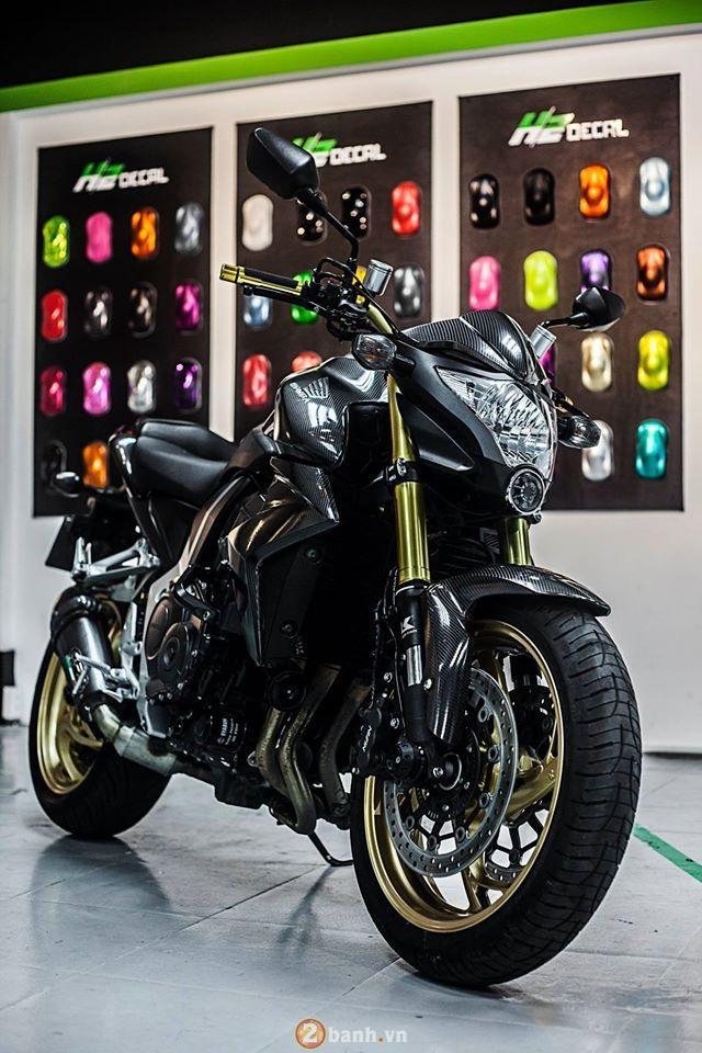 Honda CB1000R chat choi ben dan ao full carbon 6D - 2