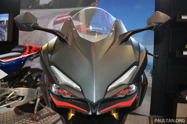 Honda CBR250RR 2017 mau xe the thao 250cc cham nguong Superbike - 2